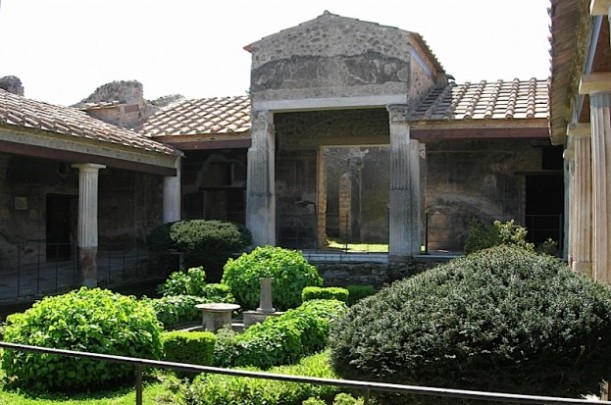 Pompeii garden, photo Linda Farrar