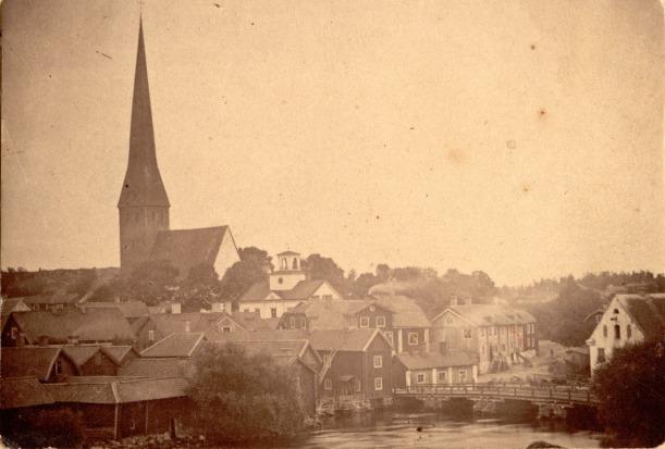 torshalla-kyrka-fore-branden
